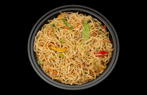 Tasty vegetable hakka noodles